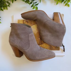 Dr Scholl's Leather Taupe Ankle Booties Size 5.5